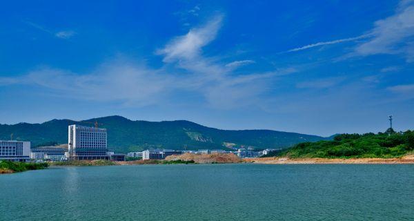 镇江大学城和它的建设者们