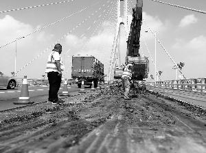南京长江二桥开始大修 警察蜀黍说:请绕行