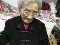 一位110岁老人的长寿密码:爱美、爱喝鸡汤、不爱吃蔬菜,心态平和