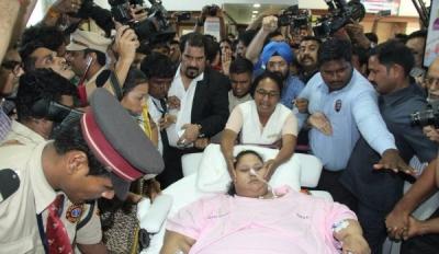 世界最胖女子在阿布扎比医院离世 体重曾达1000斤