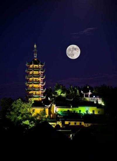 在镇江,这是赏月的最好打开方式,最后一个泪奔