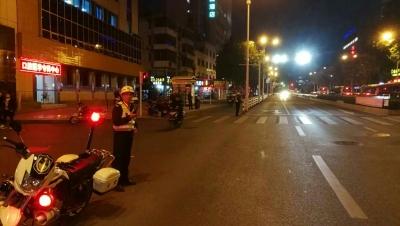 25名警力晚高峰为断指伤者开辟绿色通道,赢得抢救时间