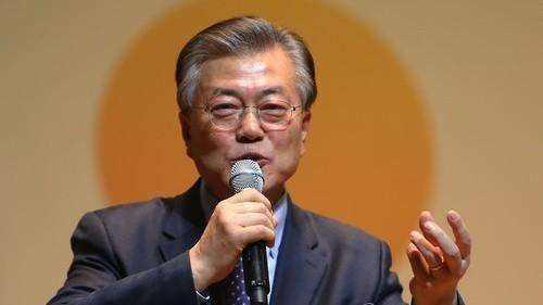 文在寅完成组阁 创了一个韩国历史纪录:搭班子最慢