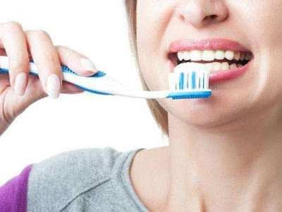 你的牙膏安全吗?云南白药、高露洁...10万余支假冒品牌牙膏被查获