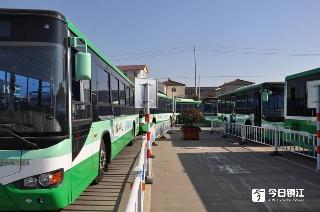 新区兴港西路改造工程完工 公交20路、212路恢复原线运行