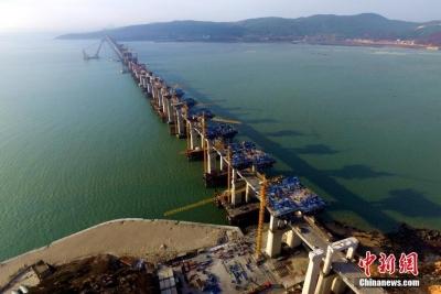 中国首座跨海峡公铁两用大桥完成桩基施工
