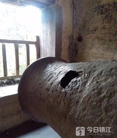 """环境不佳伤痕满身,焦山古炮台成了""""被遗忘的景点""""?"""