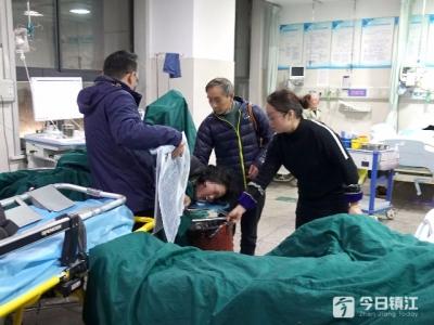 扬中火锅店4人一氧化碳中毒,2名重症者转院救治