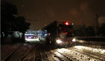 雪夜镇江,故事里的感动,奋斗出的幸福!