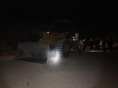 胆真肥!句容这伙人开挖机偷走 2 万多吨石料