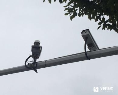 江大附近摄像头不对路  交通管理遇盲区