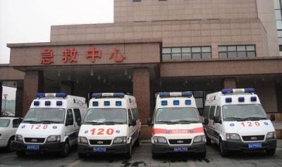 雪天路滑,不少市民摔进医院 市120急救摔伤患者为平日3倍,8小时急救52趟
