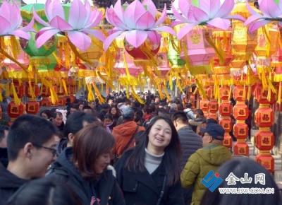 """春节消费""""春意闹"""",十天卖了五个亿"""