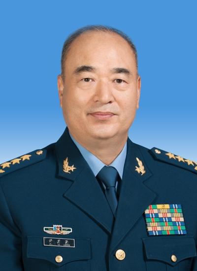 十三届全国人大一次会议决定许其亮、张又侠为中央军委副主席