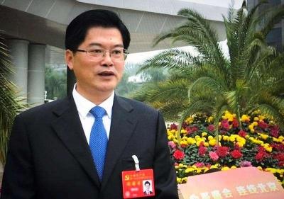 魏国强当选第十四届省总工会主席