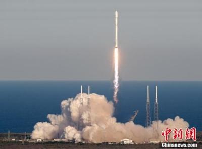 """""""行星猎手""""TESS卫星探测器发射升空"""