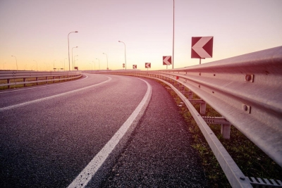 湖北一男子深夜高速公路上迷路 疯狂逆行30多公里