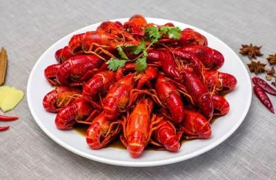 一盆小龙虾热量超1200大卡 医生:一次吃不要超10只