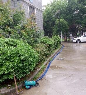 句容顺利通过首场暴雨考验 城区未发现积水现象