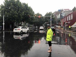 镇江迎来入汛以来首场强降雨 汛情平稳