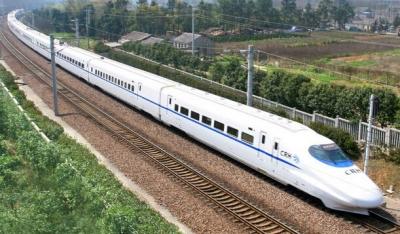 """本地旅游市场吸引大批客流 铁路镇江站""""五一""""发送旅客19.3万人次"""