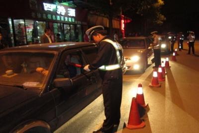 江苏交警开展酒驾醉驾毒驾周末夜查 组织第一次集中统一行动