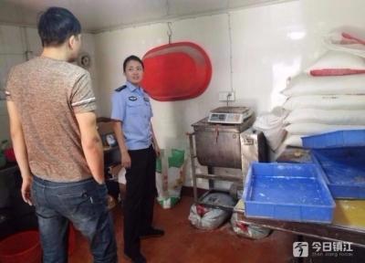 迎考家庭吐槽面店噪声大欲报警 民警接下来举动足够暖心