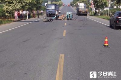丹徒122省道  大货车与三轮电动车发生刮擦  一人死亡