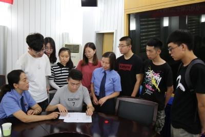 8名镇江贫困大学生献爱心却被骗 跨省司法救助呵护善心