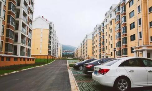 句容一安置房小区开始交付 共2283户8月份全部搬新家