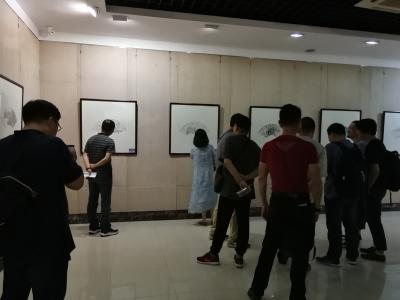 """炎炎夏日,南京15位艺术家为镇江市民带来60把""""扇子""""送清凉"""
