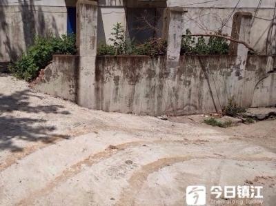 三官塘巷26幢居民受垃圾困扰后续:供电部门接电线时顺手修好坡道获赞
