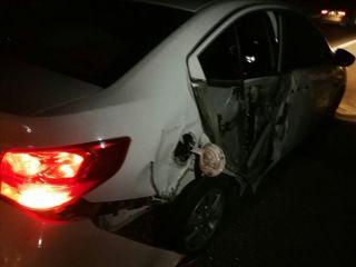 高资镇312国道发生一起单车事故,司机疲劳驾驶撞上护栏
