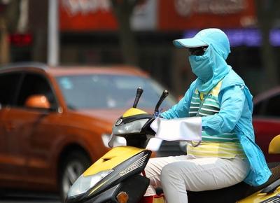 镇江连续的晴热高温天气来了 近期最高气温在35℃到37℃