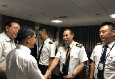 川航英雄机长刘传健的故事要拍成电影了