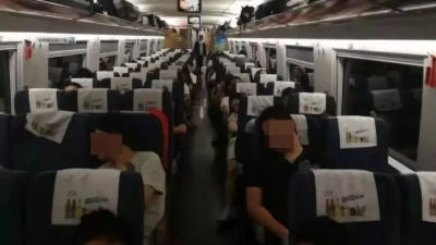 京沪高铁昨夜今晨发生两起设备故障 23趟高铁被迫停运