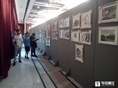 东吴书画院六周年作品展在西津渡开幕 他们助学公益坚持六年