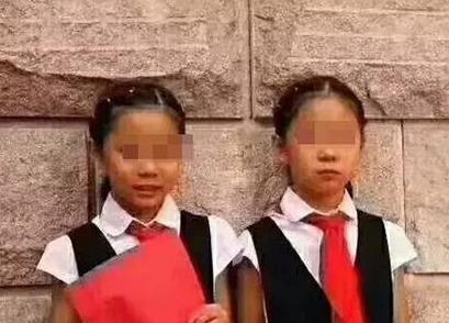 双胞胎姐妹青岛溺亡 妈妈:事发前孩子和其他人玩沙