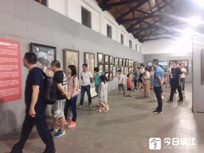 周末掀起抢购画作小高潮 唯美逼真的朝鲜精品油画展受市民热捧