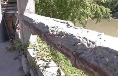 丹阳萧梁河河道护栏风化严重,村民盼望早日修复