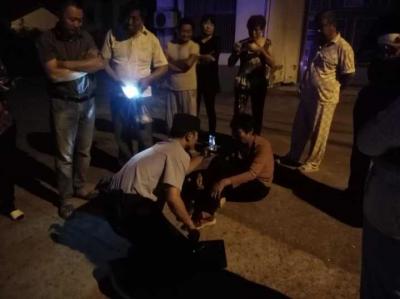 女子中秋夜走失 民警紧急救援