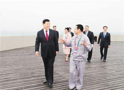 习近平出席开通仪式并宣布  港珠澳大桥正式开通  韩正出席仪式并致辞