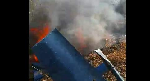 突发!秦皇岛一小型直升机坠毁起火 乘员或无一生还