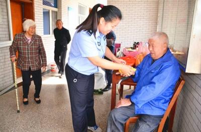 九九重阳节 浓浓敬老情|扬中警方开展系列敬老爱老活动