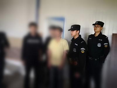 男子组织外籍人非法入境,在逃中被扬中警方抓获