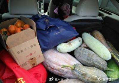 去老家尝美食看美景聊家常  带回镇江的是满满的父爱母爱