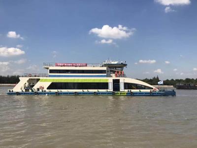 """11艘镇江垃圾清扫船""""上岗"""" 帮国际进口博览会""""消化""""垃圾"""