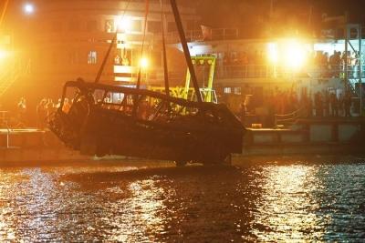 重庆公交坠江救援队员父亲遇难:偷偷哭 怎么想得通