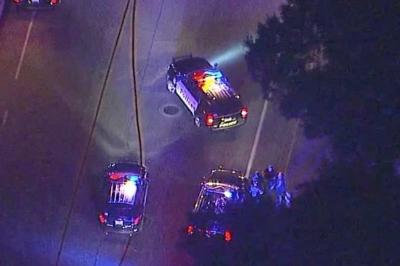 美国加利福尼亚州千橡市发生枪击事件,致多人受伤