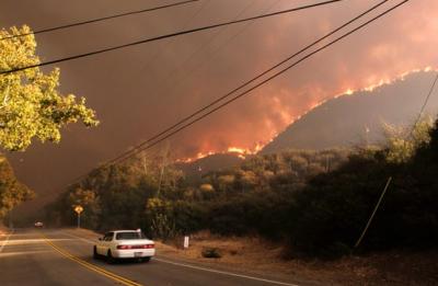 美加州山火致逾40人死 特朗普宣布实行重大灾害制度
